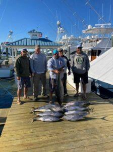 Tunas are still biting! Catch 9 nice yellowfin!! (Tunas are still biting! Catch 9 nice yellowfin!!)