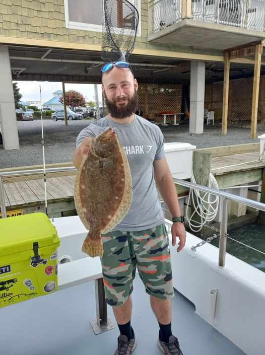 A few short flounders around the boat this morning and